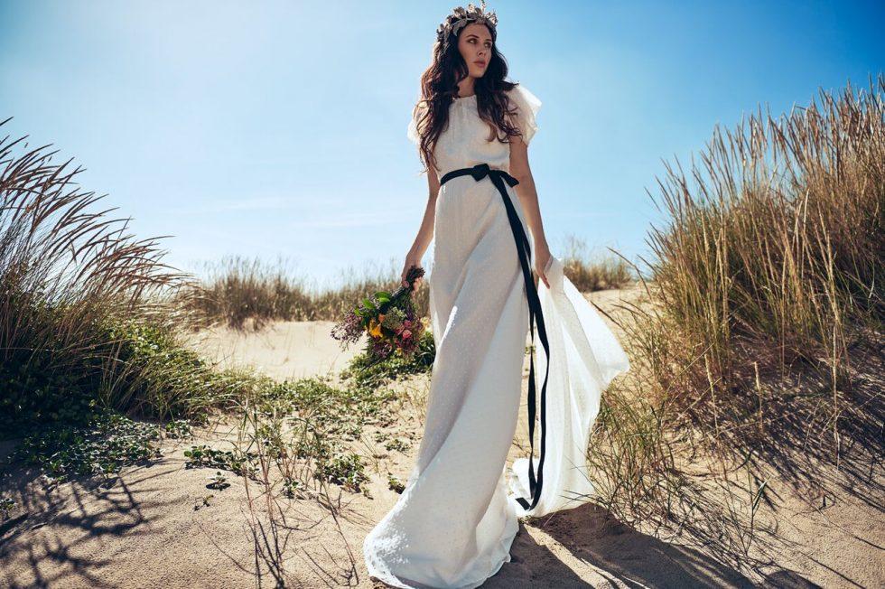 os presentamos a mira la marela, la revolución en el mundo de las bodas, con vestidos de novia a medida con precios asequibles y con una gran calidad