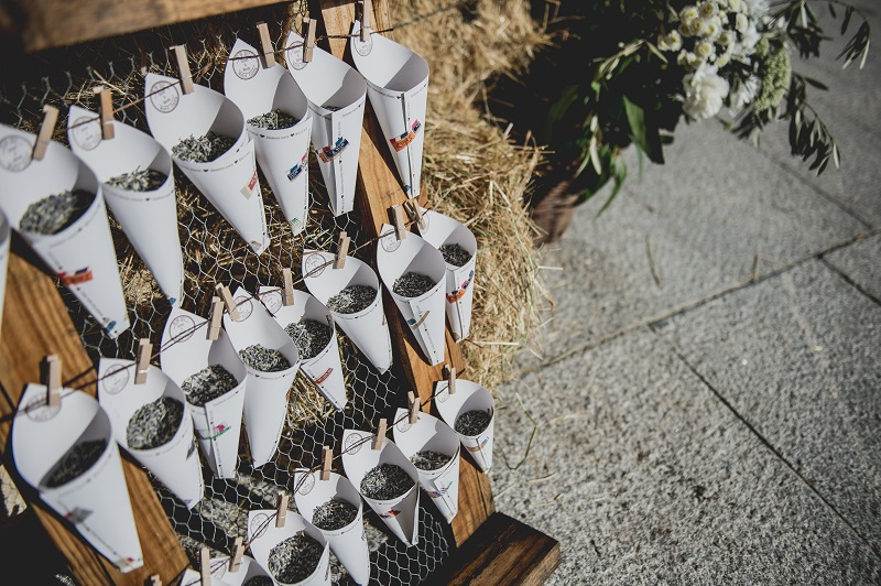 Descubre en el blog de bodas wedding ideas, la boda con estilo de Wendy y Simon