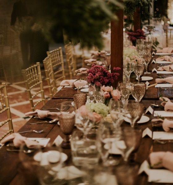 Ideas para sentar a tus invitados en una celebración de ensueño