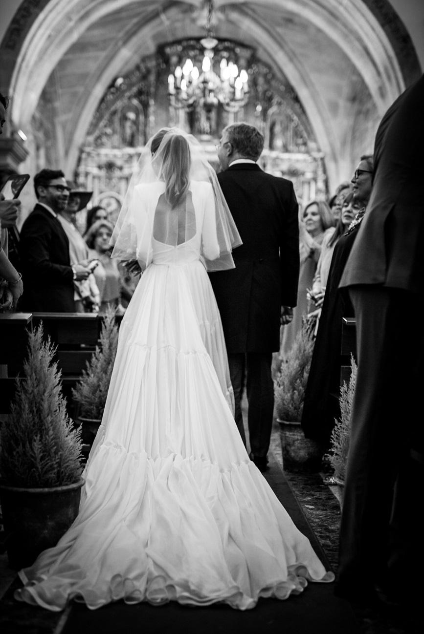la mágica boda de Laura y Luis, con un vestido de ensueño de marcela Mansergas
