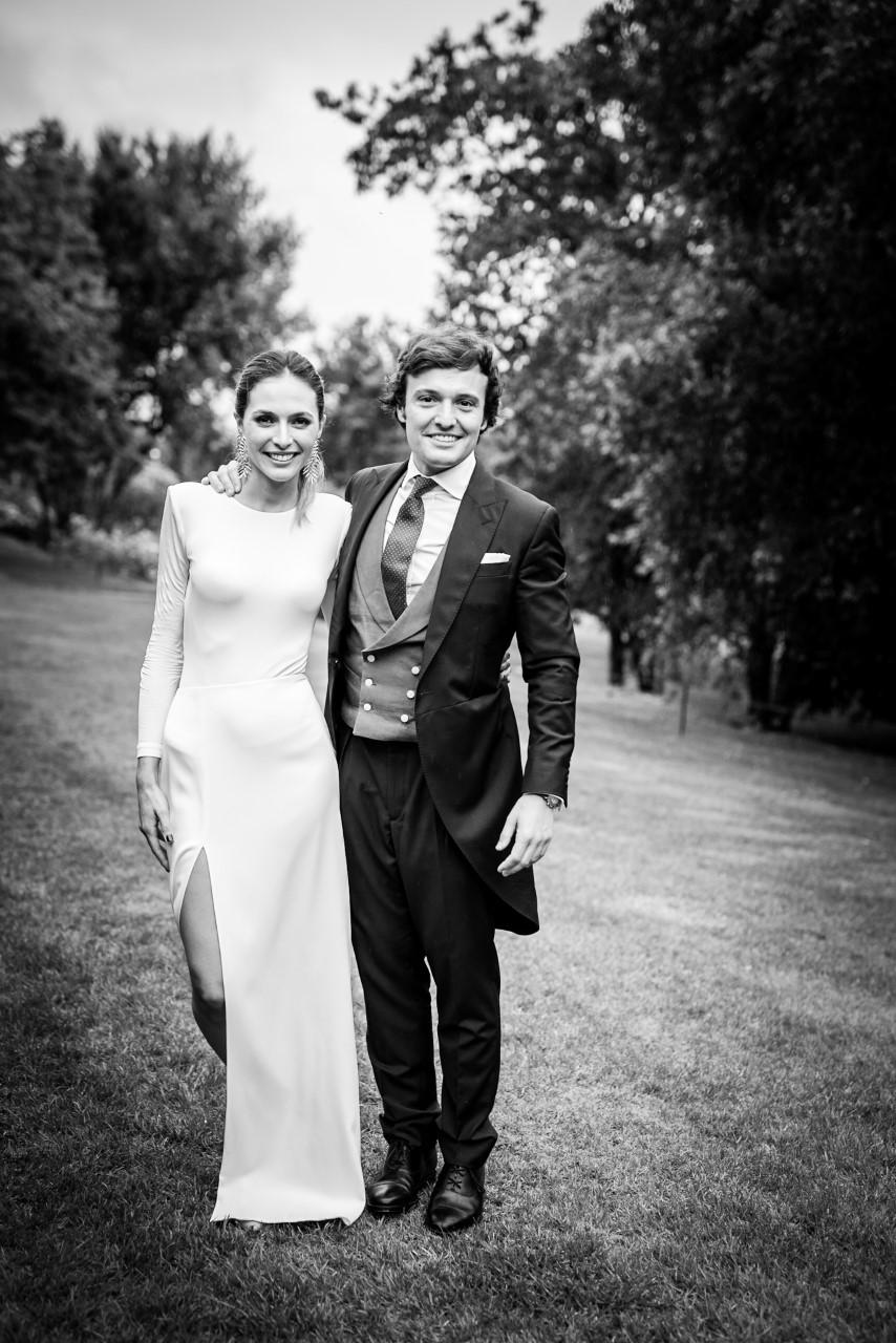 la magica boda de Laura y Luis, con un vestido de ensueño de marcela Mansergas