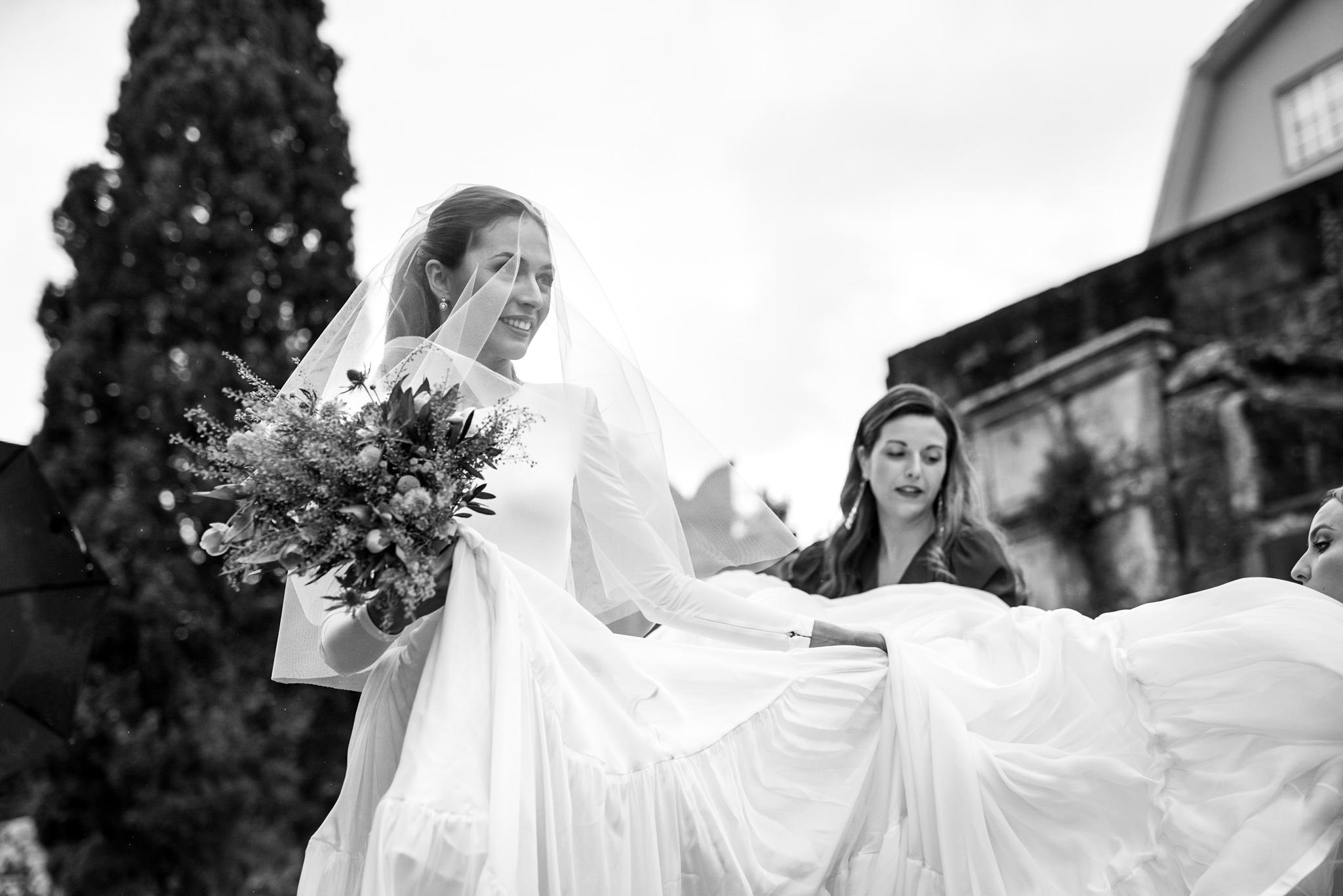 http://blogweddingideas.es/pazo-de-cea-novias-boda-liven-photography-marcela-mansergas