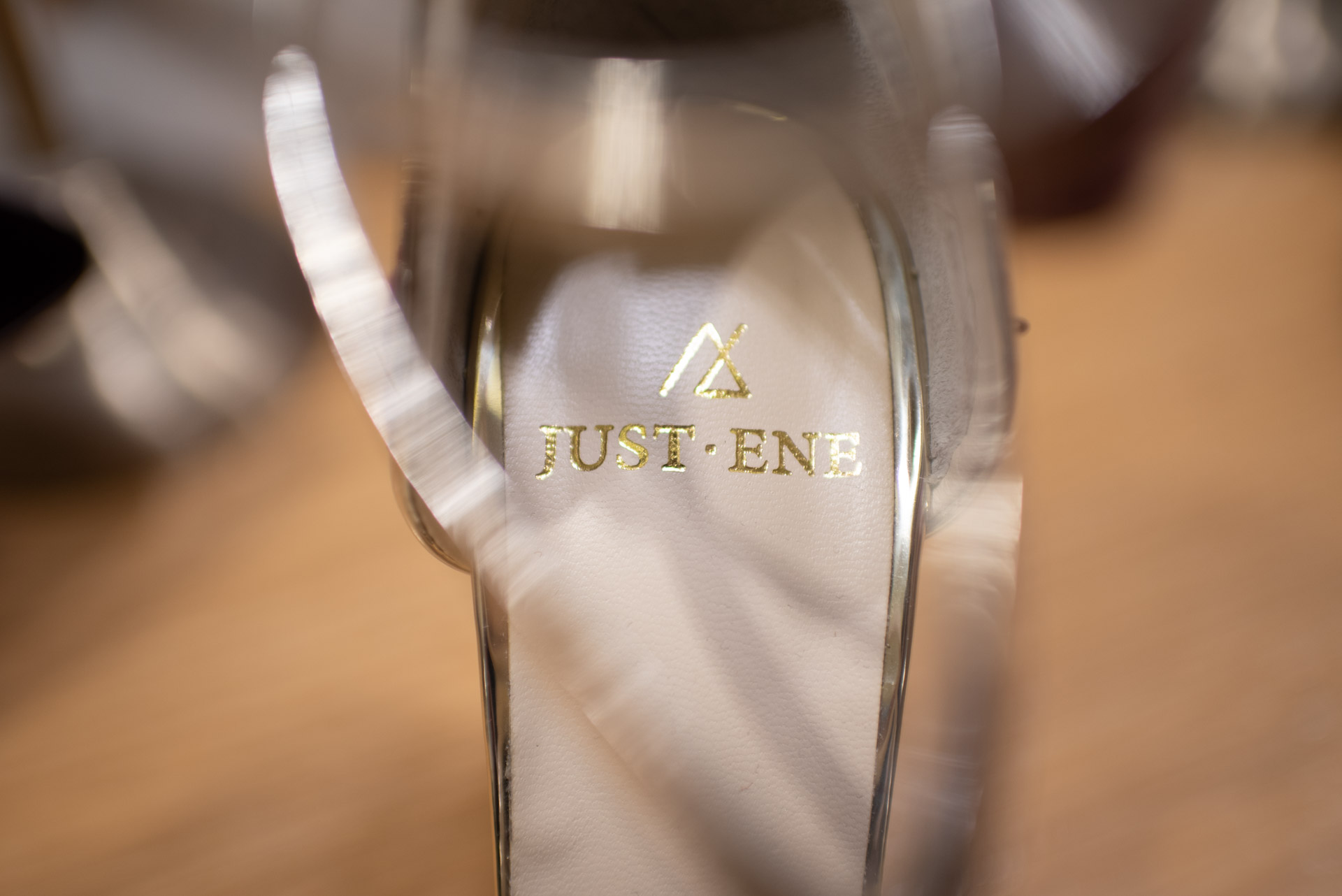 descubre los zapatos de novia del momento, pisa fuerte en tu boda con los diseños de Just ene . descubrelo en el blog de wedding ideas