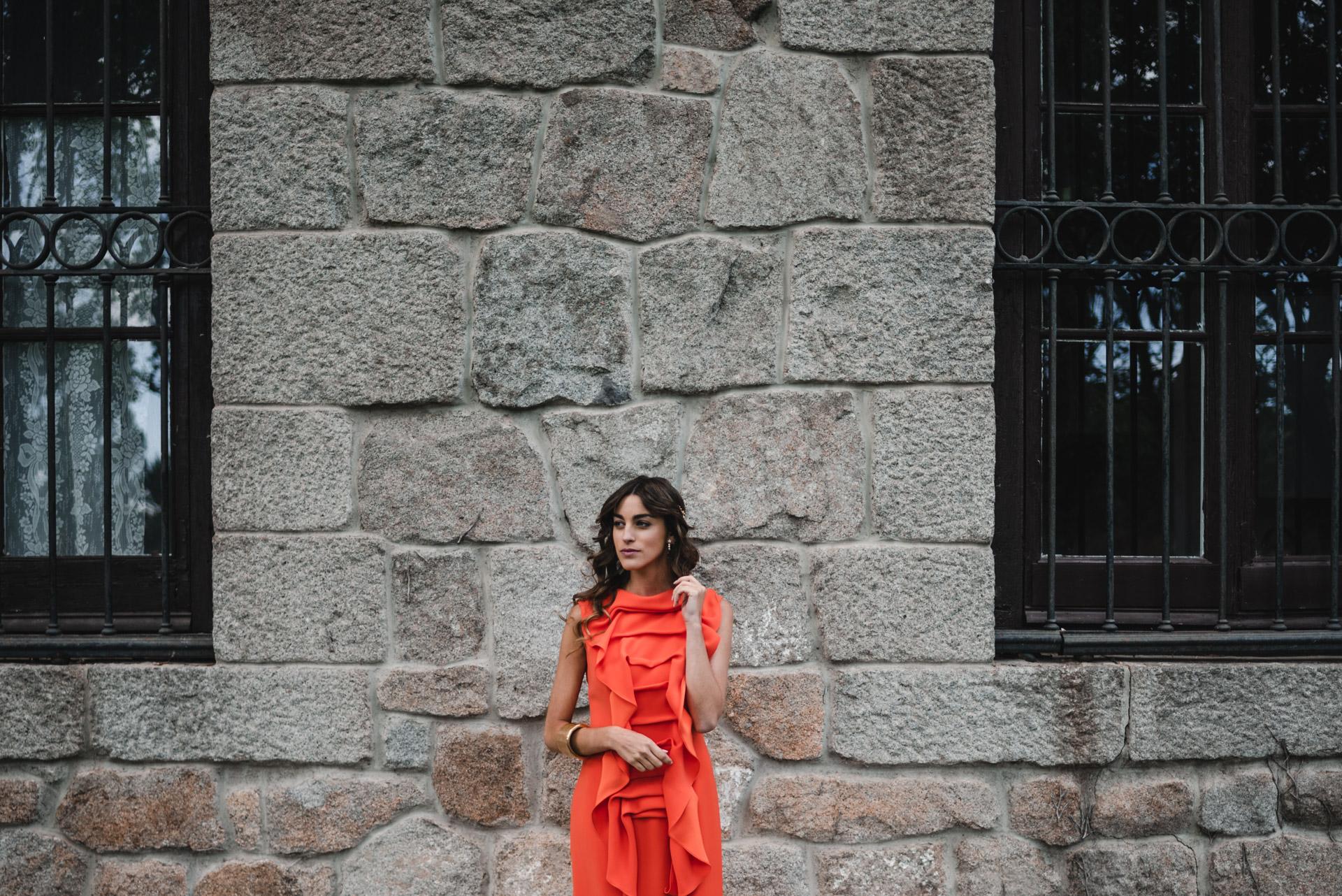 El pasado mes de septiembre, cuando firmas y diseñadores presentaron sus propuestas para la primavera verano de 2019, los trajes, vestidos midi y combinaciones de varias piezas monocolor se situaron en el centro de todas las miradas.